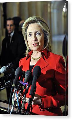 Hillary Clinton Speaking To The Press Canvas Print by Everett