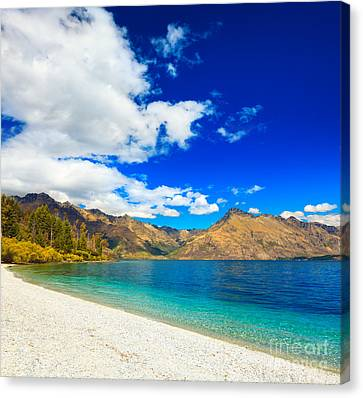 Lake Wakatipu Canvas Print by MotHaiBaPhoto Prints
