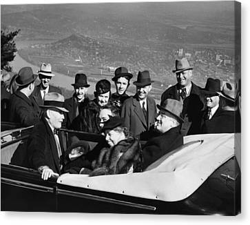 President Franklin D. Roosevelt In Car Canvas Print by Everett