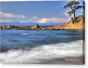 Canvas Print featuring the photograph Sea Side by Tad Kanazaki