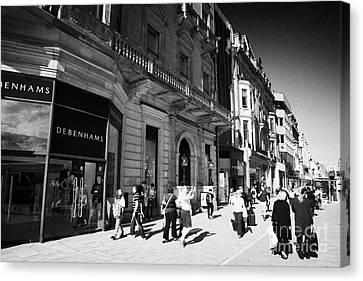 Shoppers And Tourists On Princes Street Edinburgh Scotland Uk United Kingdom Canvas Print by Joe Fox