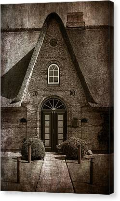 Old Houses Canvas Print - Thatch by Joana Kruse