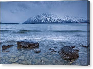 The Shoreline Of Kathleen Lake In Late Canvas Print by Robert Postma