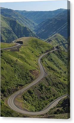Usa, Washington, Asotin County, Mountain Road Canvas Print by Gary Weathers