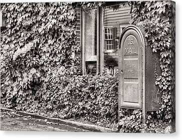 22747 Bw Canvas Print by JC Findley