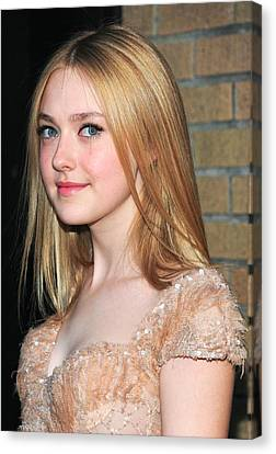 Dakota Fanning At Arrivals For The Canvas Print