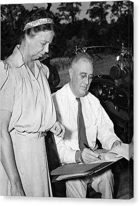 Fdr Presidency. First Lady Eleanor Canvas Print by Everett