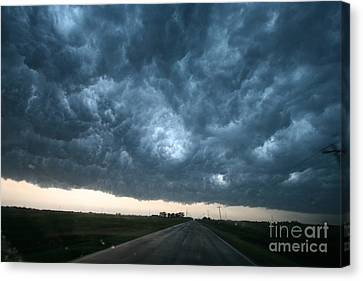 Thunderstorm And Supercell Canvas Print by Science Source