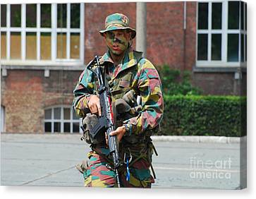 A Paratrooper Of The Belgian Army Canvas Print by Luc De Jaeger