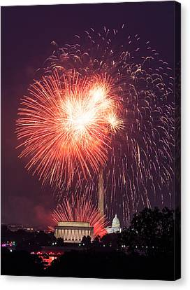 Fireworks Over Washington Dc On July 4th Canvas Print by Steven Heap