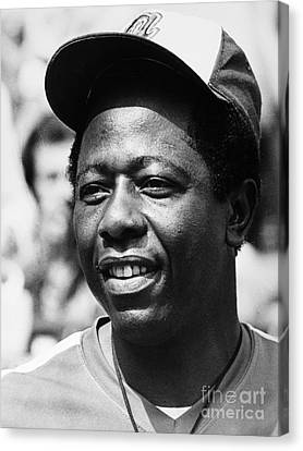 Hank Aaron (1934- ) Canvas Print by Granger