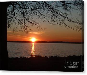Sunset Chesapeake Bay Canvas Print by Valia Bradshaw