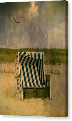 Beach Chair Canvas Print by Joana Kruse