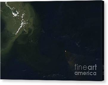 Gulf Oil Spill, April 2010 Canvas Print