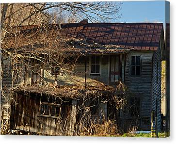 Abandoned Farm House 10 Canvas Print by Douglas Barnett