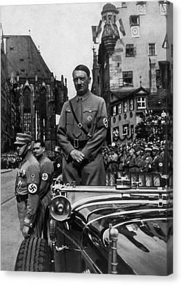 Adolf Hitler At Parteitag Der Freiheit Canvas Print by Everett