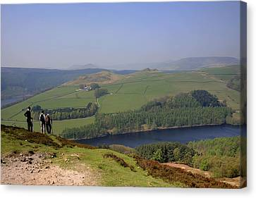 Adult Walkers In The Upper Derwent Valley, Overlooking Ladybower Reservoir, Peak District National Park, Derbyshire, England, Uk, Canvas Print by Dave Porter Peterborough Uk