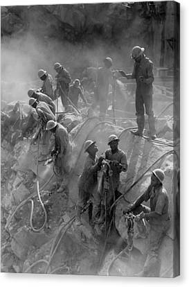 African American Workers Construction Canvas Print by Everett