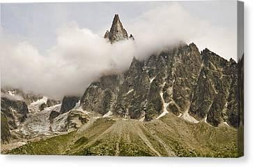 Aiguille Du Dru In Mont Blanc Massif Canvas Print by David Pérez