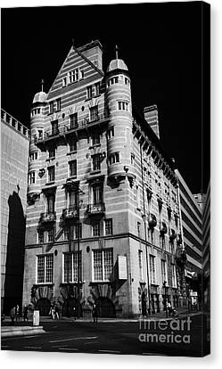 Albion House James Street Liverpool Former Offices Of The White Star Line  Canvas Print by Joe Fox