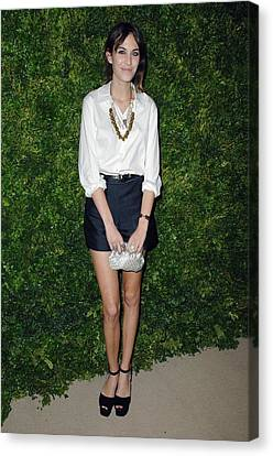 Alexa Chung At Arrivals For Cfda Vogue Canvas Print by Everett