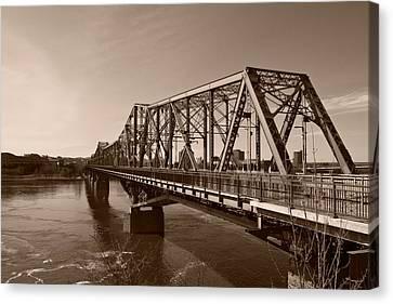 Canvas Print featuring the photograph Alexandria Bridge by Josef Pittner