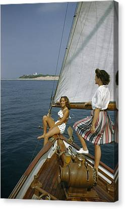 American Women Sail Off Of The Coast Canvas Print by Robert Sisson