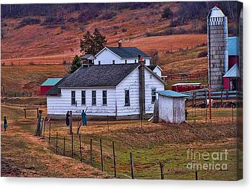 An Amish Farm Canvas Print by Tommy Anderson