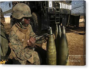 An Artilleryman Places A Fuse Canvas Print by Stocktrek Images
