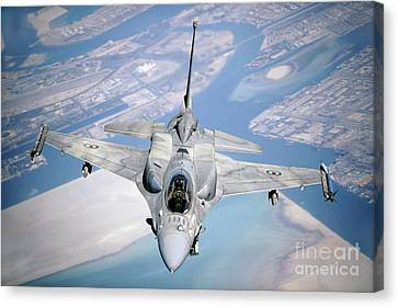 An Emirati F-16 Conducts A Training Canvas Print by Stocktrek Images
