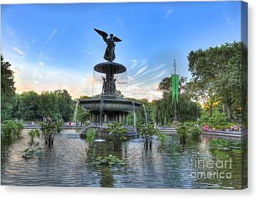 Angel Of The Waters Fountain  Bethesda II Canvas Print by Lee Dos Santos