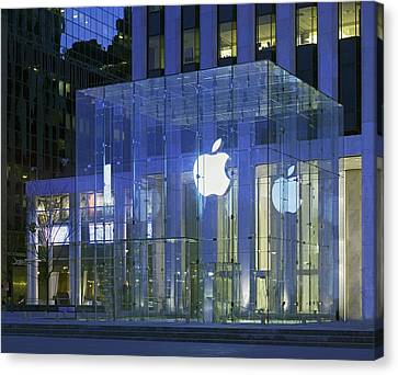 Apple Store 5th Avenue And 60th Street Canvas Print by Everett