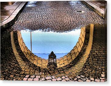 Archway Reflections Canvas Print by Steven Ainsworth