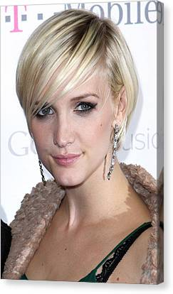 Ashlee Simpson At Arrivals For T-mobile Canvas Print by Everett