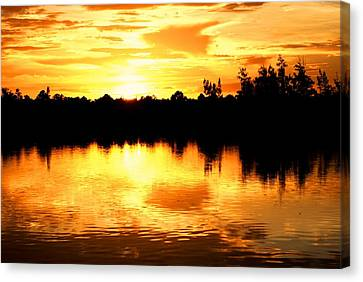 Astonishing Sunset Canvas Print by Luis and Paula Lopez