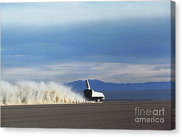 Atlantis Touches Down Canvas Print by Science Source