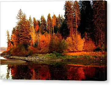 Canvas Print featuring the photograph Autumn Sunset At Lake Coeur D'alene by Cindy Wright