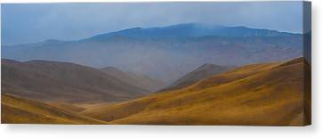 Canvas Print featuring the photograph Bakersfield Horizon by Hugh Smith