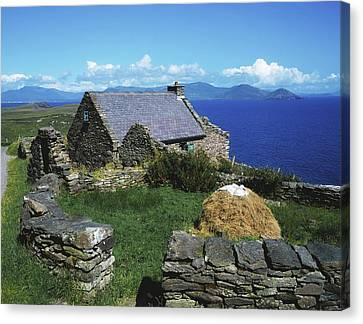Ballinskelligs, Iveragh Peninsula Canvas Print by The Irish Image Collection