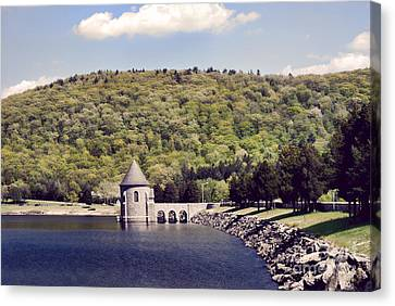 Barkhamsted Reservoir Canvas Print by HD Connelly