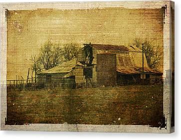 Barn 3 Canvas Print by Toni Hopper