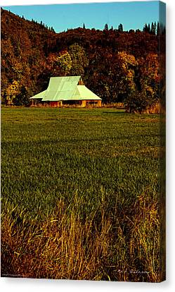 Barn In The Style Of The 60s Canvas Print by Mick Anderson
