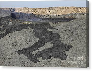 Basaltic Lava Flow From Pit Crater Canvas Print by Richard Roscoe