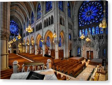 Basilica Of The Sacred Heart Canvas Print by Susan Candelario