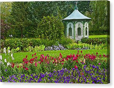Canvas Print featuring the photograph Beautiful Garden by Cindy Haggerty