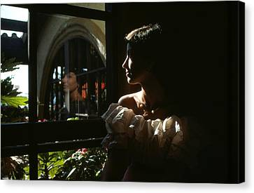 Beauty Reflected 2 Canvas Print by Roy Williams