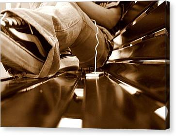 Benched Ipod Canvas Print by Jacalyn Highsmith