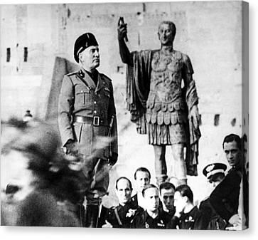 Benito Mussolini, 1943 Canvas Print by Everett