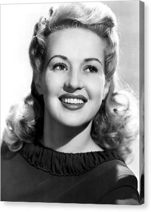 Betty Grable, 20th Century-fox, 1943 Canvas Print by Everett