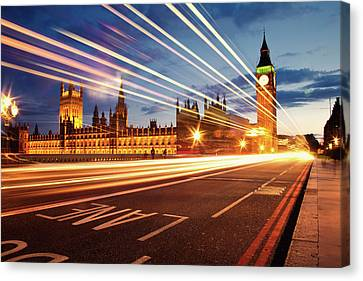 Big Ben And The Houses Of Parliament. Canvas Print by Stuart Stevenson photography
